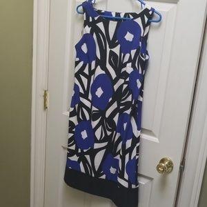 Floral sleeveless shift dress 8